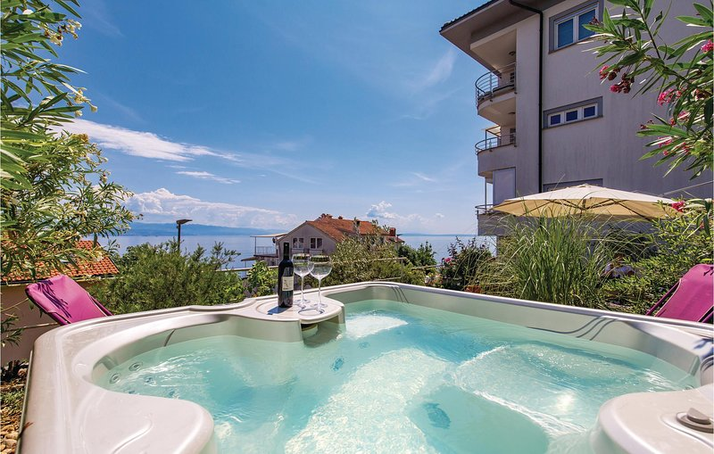Nice home in Opatija with Jacuzzi, WiFi and 3 Bedrooms (CKO332), holiday rental in Icici