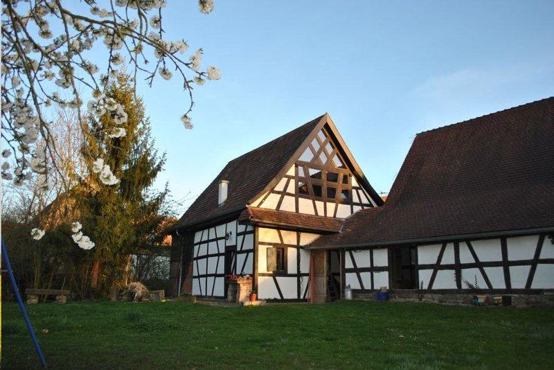 Rommantisches Fachwerkhaus am Ortsrand, holiday rental in Oberotterbach