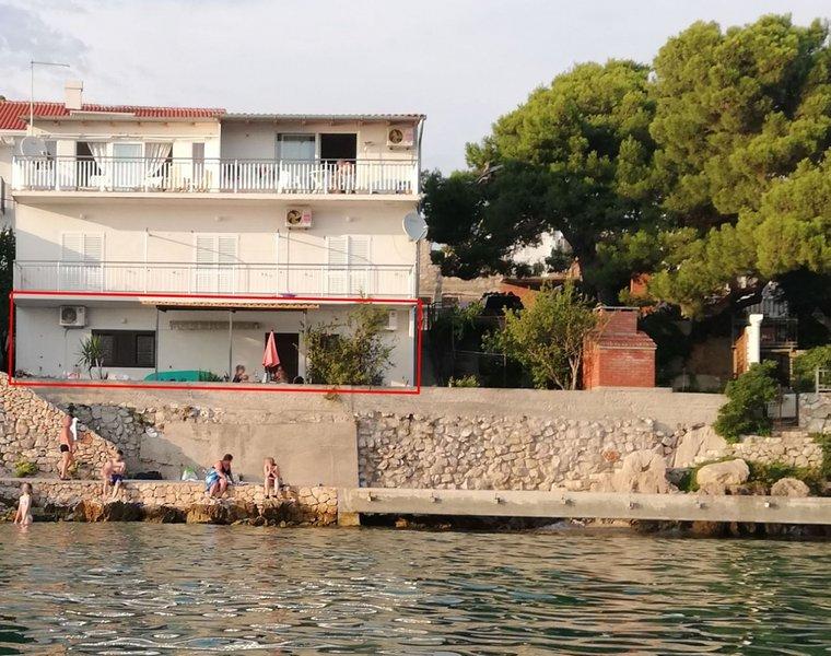 Ferienwohnung 3348-2 für 5 Pers. in Tribunj, holiday rental in Tribunj