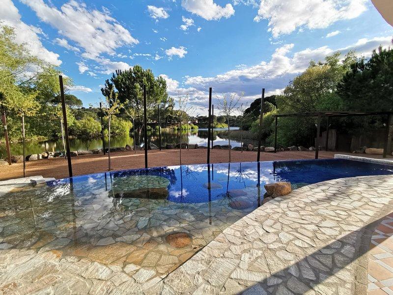 CASA ORILLA EL LAGO, location de vacances à Cerro Muriano