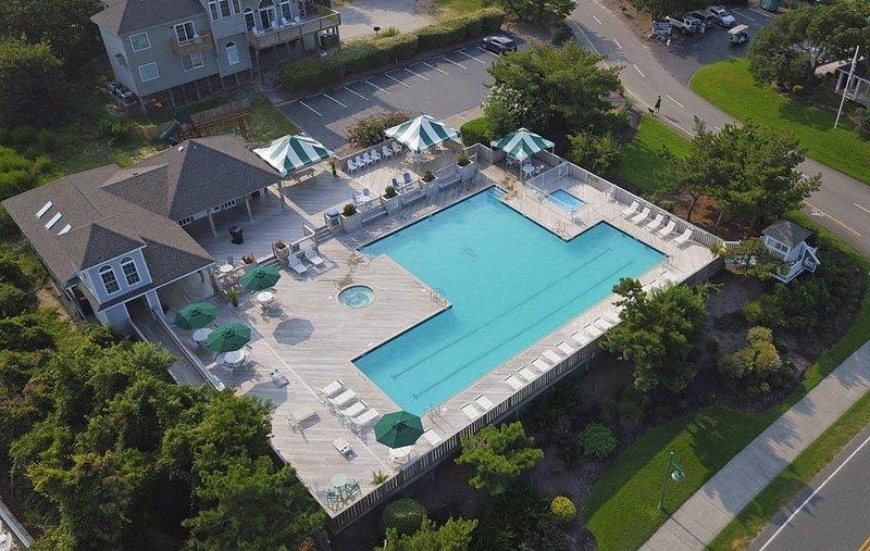 Community SW Pool Drone Pic