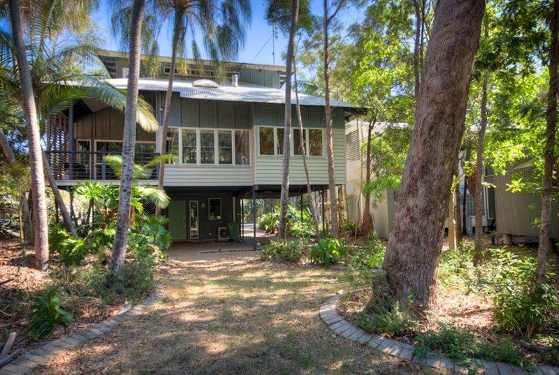 6 Satinwood Drive - Rainbow Shores, vacation rental in Gympie Region