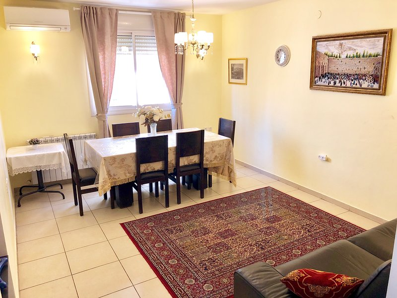Cozy Apartment In Givat Shaul, Jerusalem, casa vacanza a Shoresh