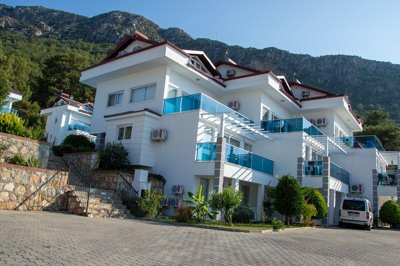 Royal Hills f3, holiday rental in Faralya