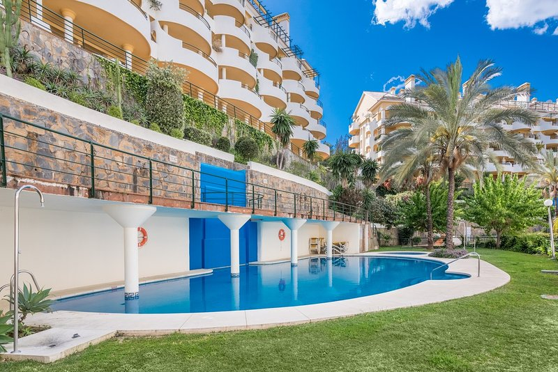 Puerto Banus Duplex Apartment perfectly located with great views – semesterbostad i Puerto Banus