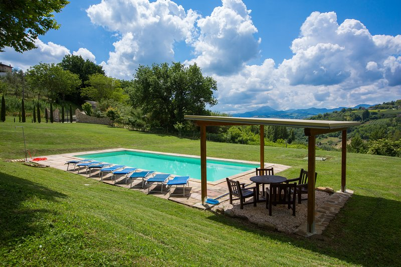 Wonderful villa with great views, vacation rental in Province of Ancona