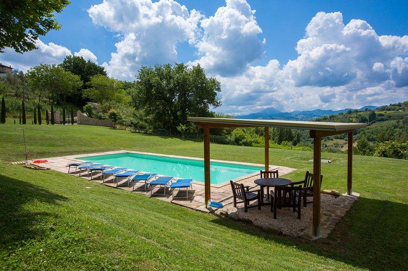 Wonderful villa with great views, vacation rental in Angeli Stazione