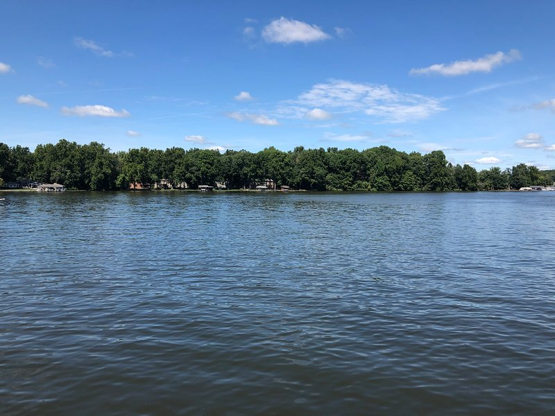 Lakefront Cottage – semesterbostad i Monticello