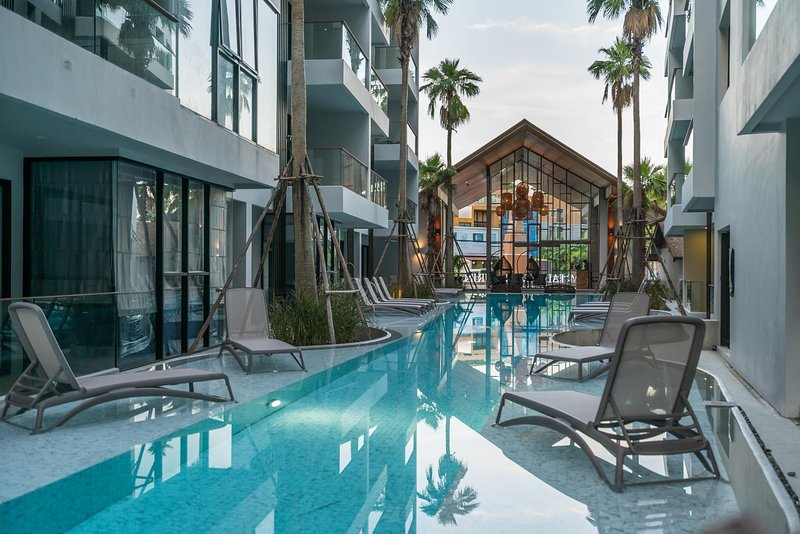 Palmyrah Surin - 700 meters to the beach!!! Brand new luxury condo A406, holiday rental in Cherngtalay