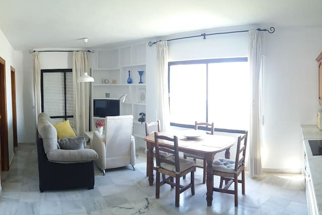 Nice apartment with sea view & Wifi, holiday rental in Maro