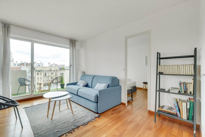 Luminous Apt 4pers with balcony, holiday rental in Vanves