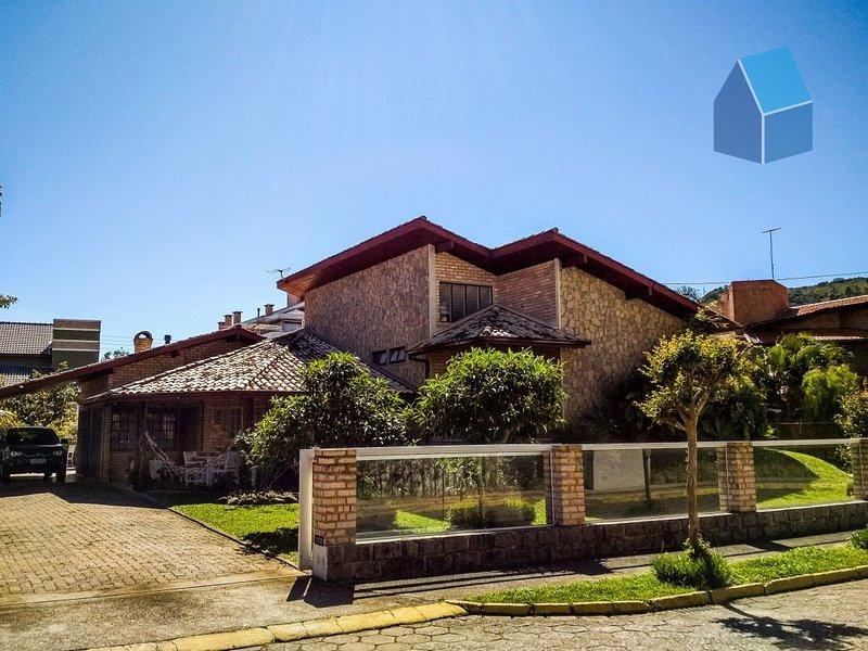 Excelente casa com 4 dormitórios - Cachoeira do Bom Jesus (Cód. 2), alquiler de vacaciones en Praia Brava