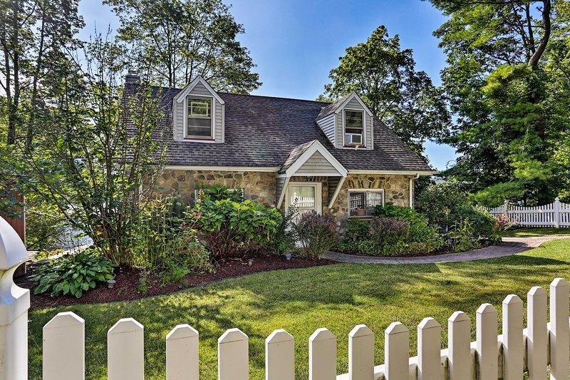 Vivez une retraite idyllique dans ce charmant cottage de vacances de Hewitt.