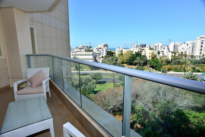 Special 3 BR in Ramat Aviv, location de vacances à Bnei Brak