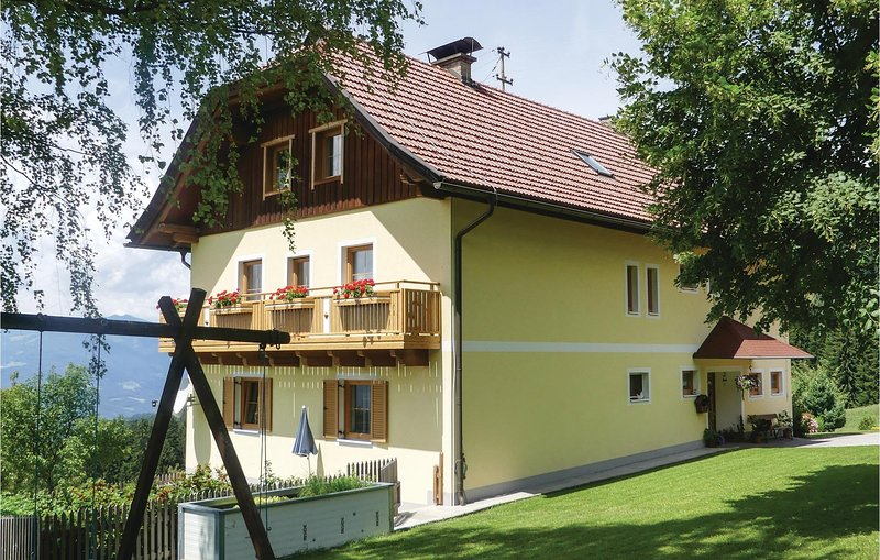 Awesome apartment in Fresach w/ 3 Bedrooms, holiday rental in Afritz