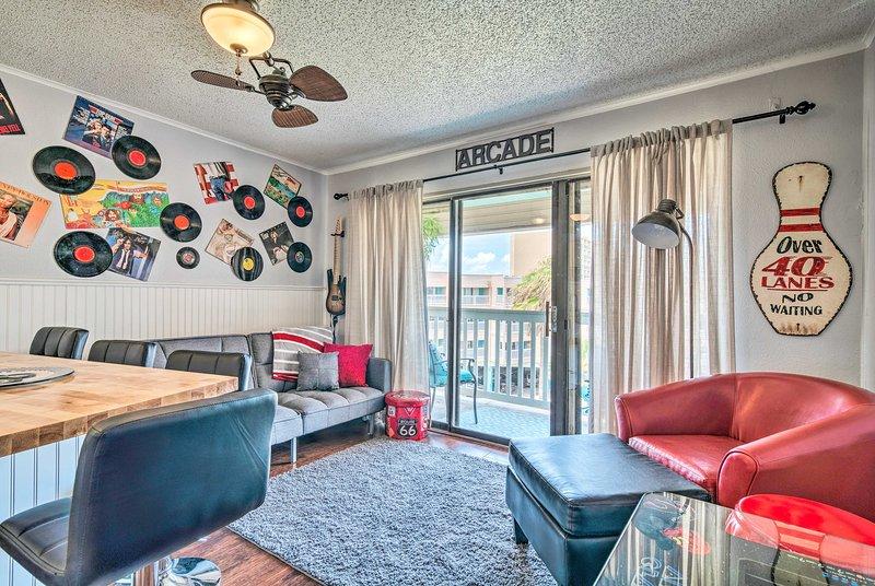 Beachfront Corpus Christi Condo w/ Arcade Room!, holiday rental in Robstown