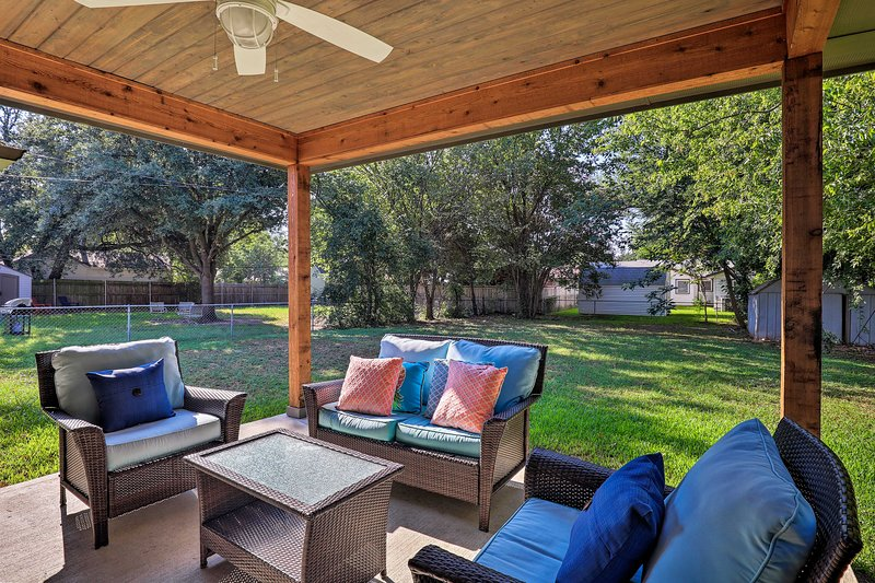 Book a trip to this lavish  4-bed, 2-bath home in Irving.
