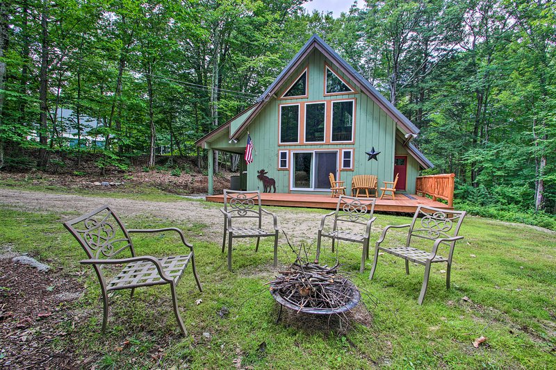 This vacation rental home in North Conway is perfect no matter the season!
