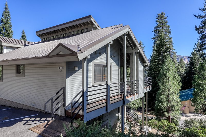 Spacious home near Huntington Lake, skiing, and forest/mountain views!, location de vacances à Lakeshore