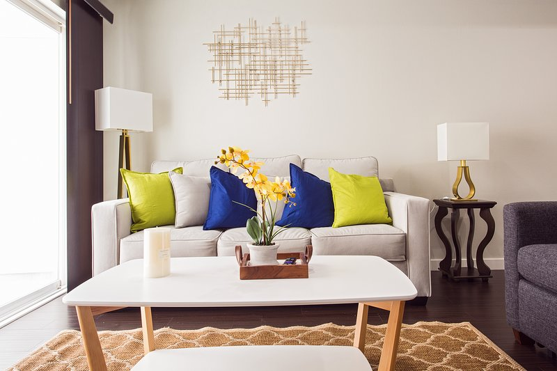 Chic Disney 2BR Suite, holiday rental in Fullerton