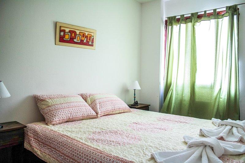Confortable departamento a metros de La Cañada, vacation rental in Cordoba