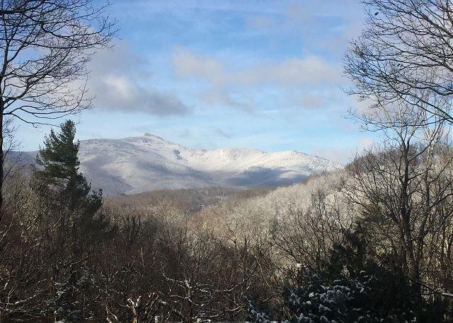 Vista invernale della montagna del nonno