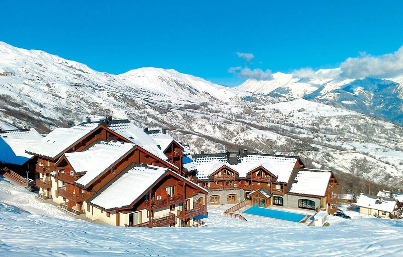 Enjoy a winter holiday in the French Alpes!