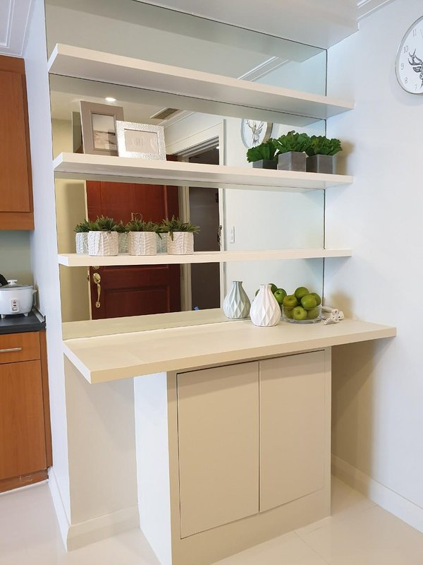 Cabinet Shelves with Mirror