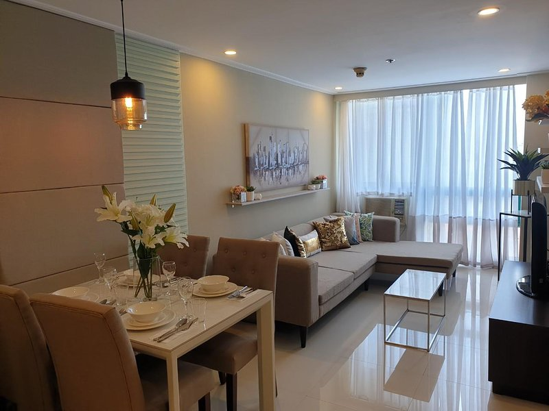 Luxurious Home Comfort -  1 Bedroom Robinsons Place Malate – semesterbostad i Manila