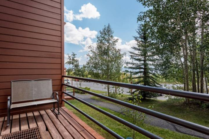 Relax On The Covered Deck And Sip A Glass Of Wine Or Cocoa