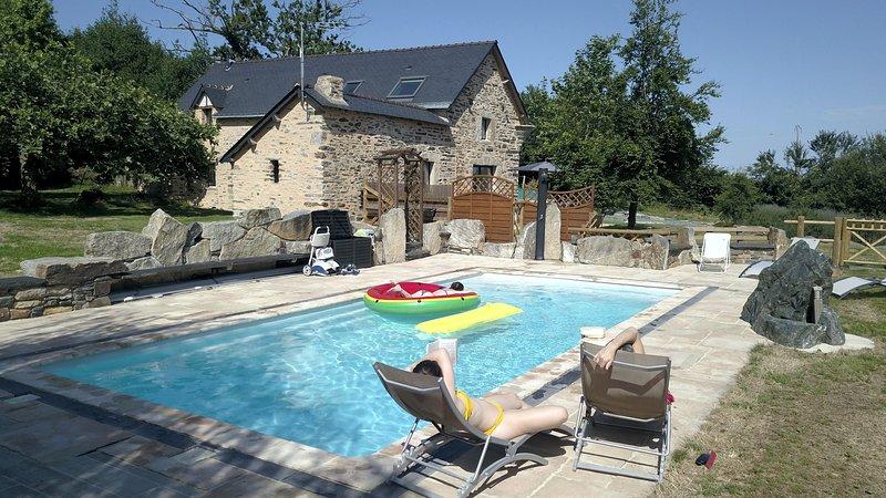 Gîte avec piscine entre Redon et la Roche Bernard, vacation rental in Saint-Dolay