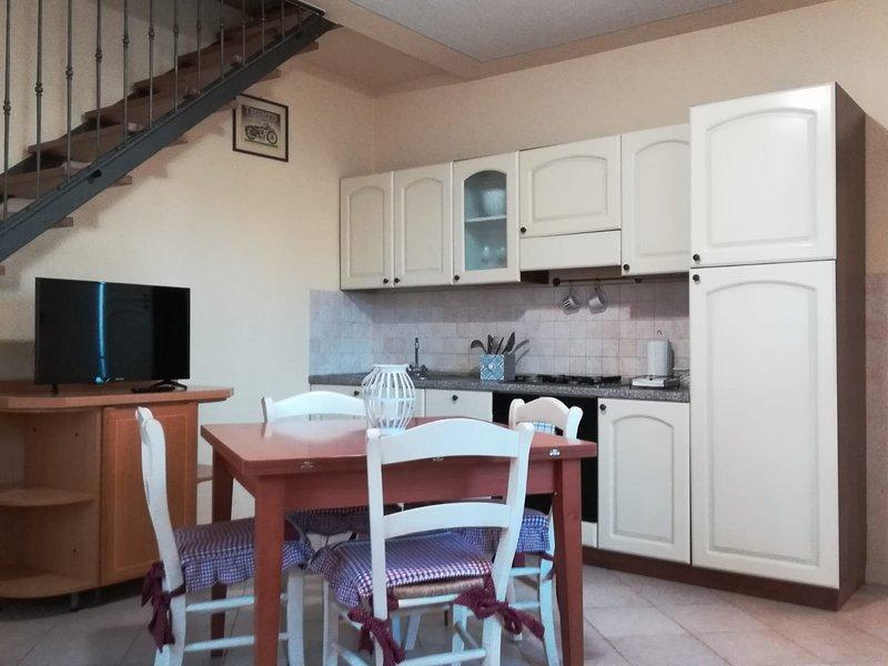 Bilocale in autentico borgo toscano, Aria condizionata, WiFi, parcheggio privato, vacation rental in Santa Croce Sull'Arno
