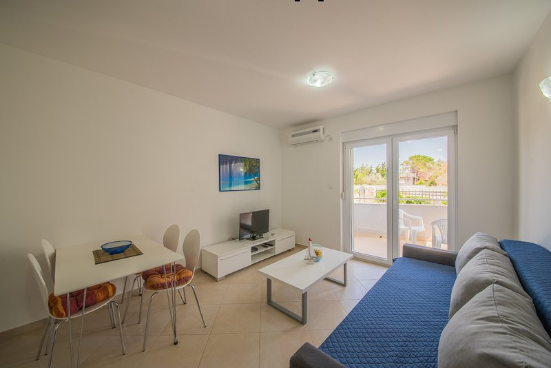 Beautiful apartment near the beach, holiday rental in Vrsi