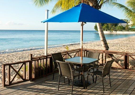 Relaxed Beachfront Apt - Bora Bora Upper, holiday rental in Paynes Bay