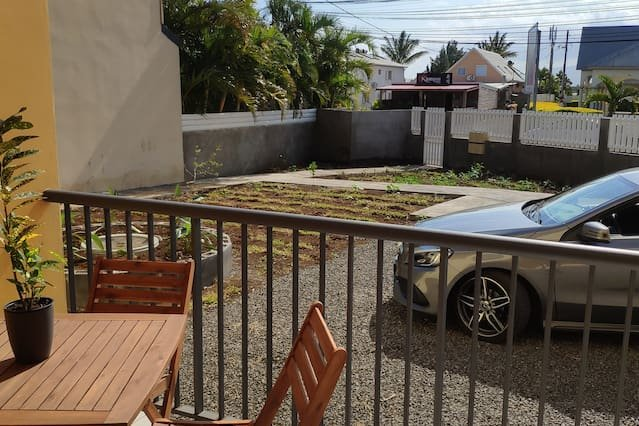 Nice apartment with garden & Wifi, holiday rental in Mont-Vert les Bas