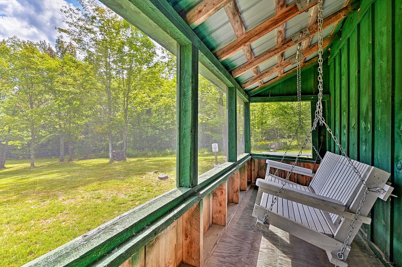 Private Granby Cabin - 14 Miles to Burke Mtn!, holiday rental in Concord