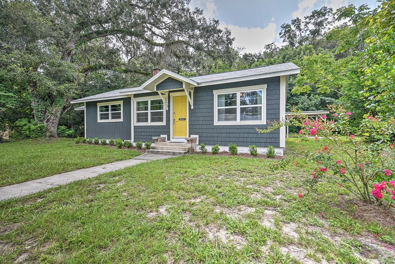 Updated High Springs Cottage, 22 Mi to UF!, alquiler de vacaciones en Bell