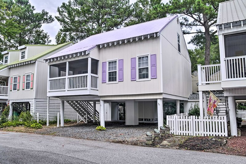 Bethany Beach Cottage w/Porch, 400 Yards to Beach!, alquiler de vacaciones en South Bethany