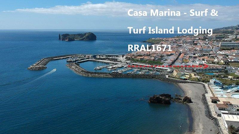 Casa Marina-Duplex Apt (2 floors/6 beds/3 baths/2 living rooms/balcony/pool), vacation rental in São Miguel