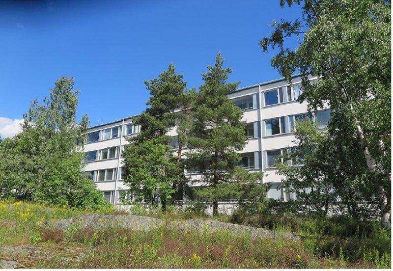Whole / shared flat at good transportation venue, alquiler vacacional en Espoo
