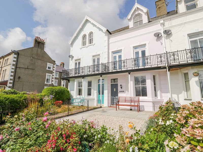 Mor Awel, Beaumaris, holiday rental in Beaumaris