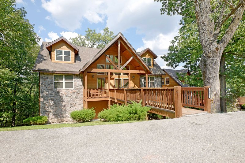 Find family fun and natural serenity in this 6-bedroom, 6-bath Branson home.