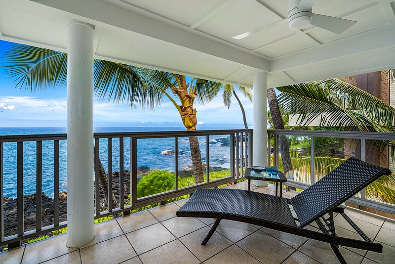 Upstairs Lanai with chaise lounge to enjoy nights sunsets!