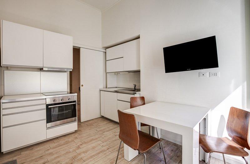 Renovated apartment in Milan's Città Studi w/ free WiFi - near the university!, vacation rental in Segrate