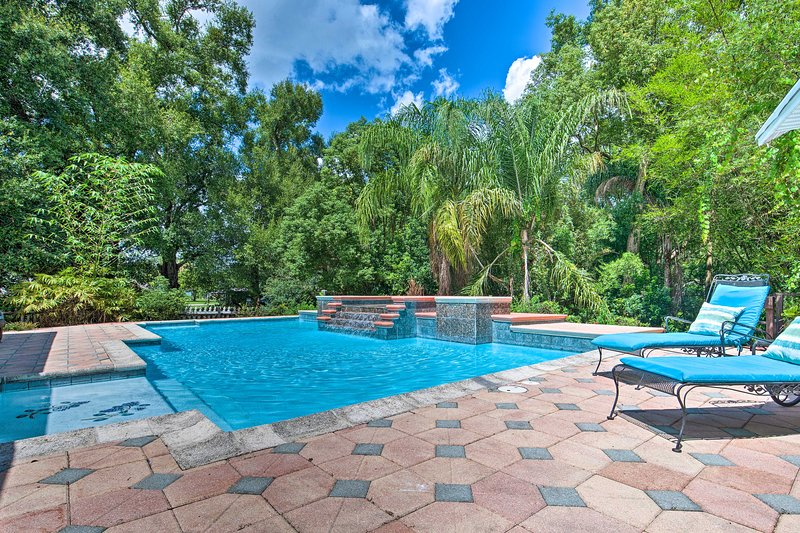 This grand estate is located just minutes from Mount Dora, Disney World, & more!