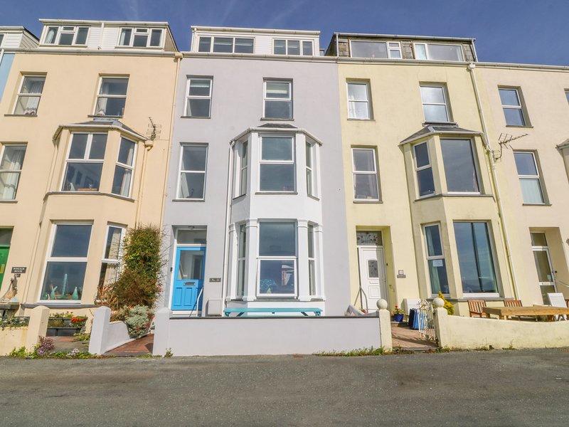 11 Marine Terrace, Criccieth, Seafront views, holiday rental in Criccieth