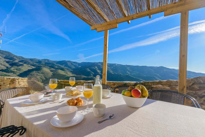 CASA LOS CORRALES COMPLEJO RURAL EL MIRADOR, holiday rental in Almogia