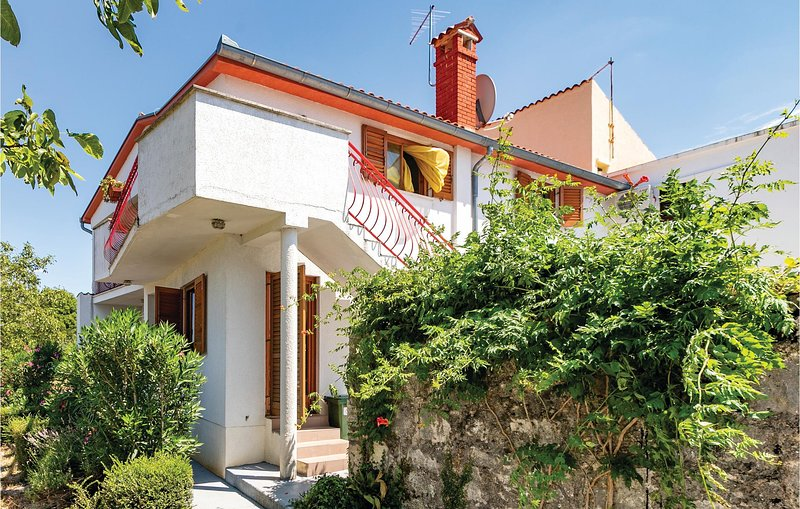 Awesome home in Vrsar with WiFi and 4 Bedrooms (CIE319), holiday rental in Vrsar