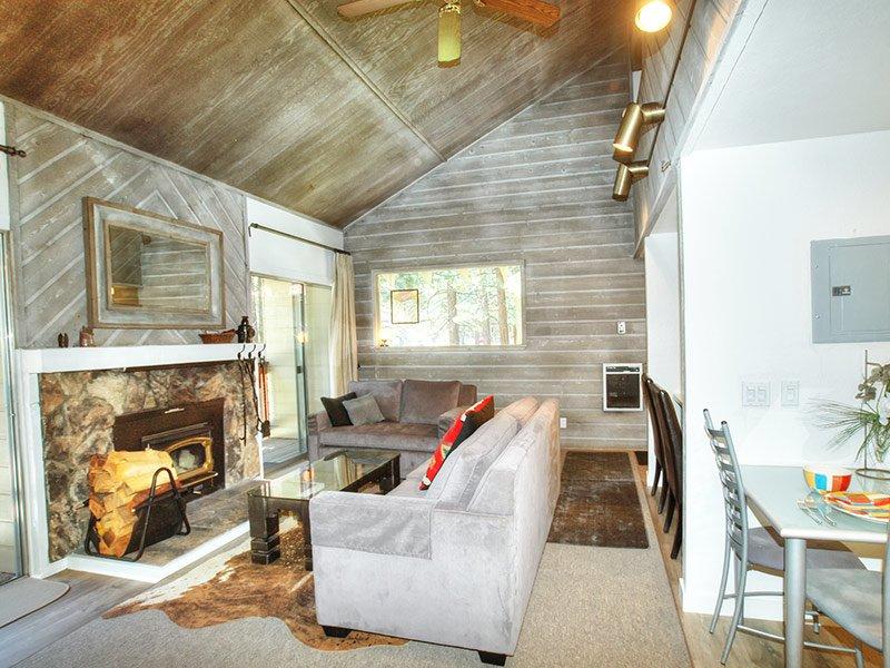 La Residence - LR08N, location de vacances à Crowley Lake