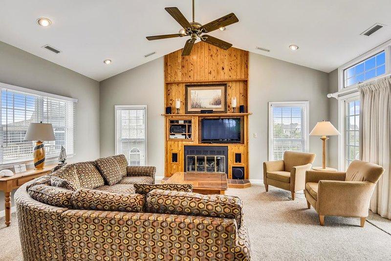 Main Level-Living Room-_DSC0015.JPG